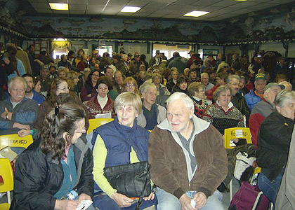 Gokey's Auction Packs a Full House